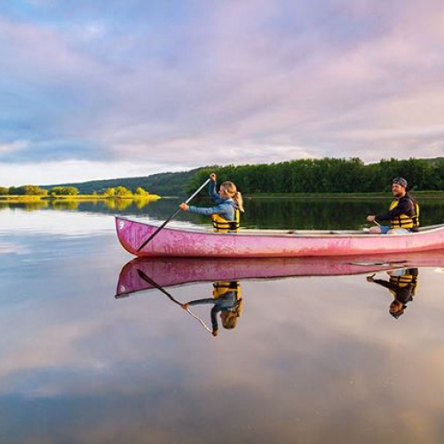 Paddling in a dream! Happy Friday fellow adventurers ‍️ : @acorn_art_photography on the beautiful Wolastoq River (Saint John River) in Fredericton, NB #exploreNB #aforadventure